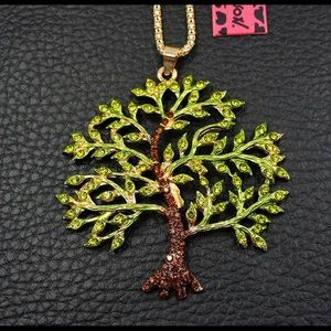 🌳Pretty Tree Of Life Necklace🌳